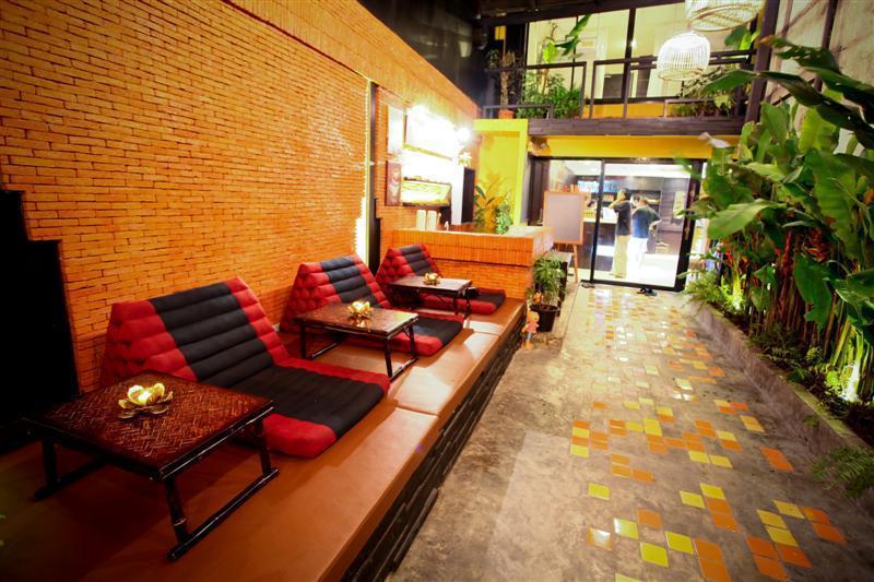 best hostels bangkok nappark
